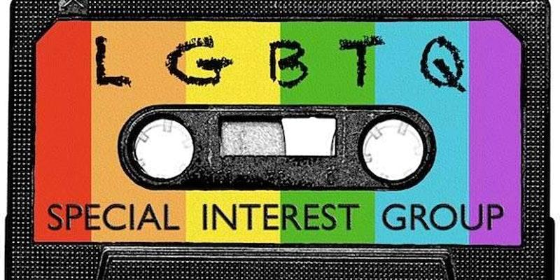 """Eine Audiokasette in den Regenbogen Farben. Darauf geschrieben ist """"LGBTQ Special Interest Group"""""""